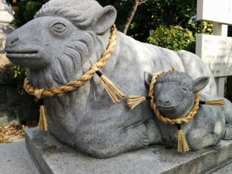 羊神社の羊の親子