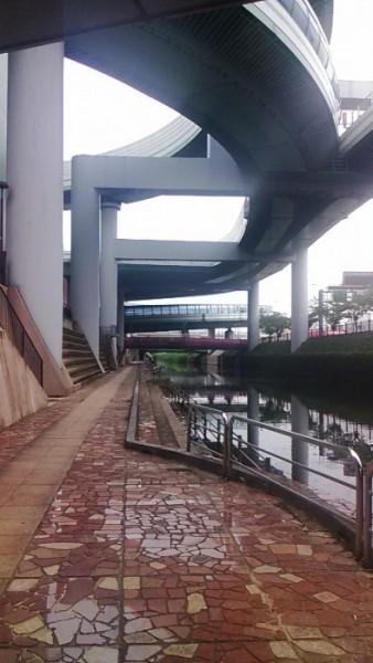 名古屋高速の黒川ジャンクション付近