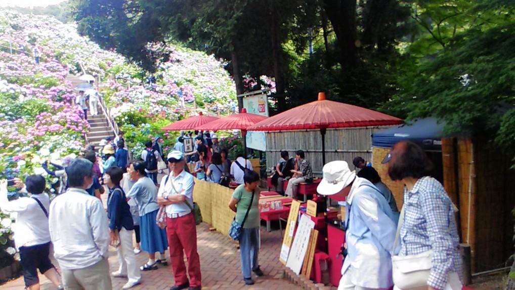 入場門付近の茶屋