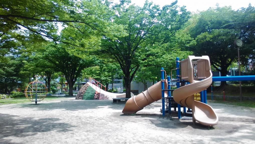 茶屋ヶ坂公園遊具