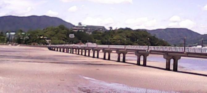 竹島は磯遊びもできる神社です・引き潮のときに(愛知県蒲郡市)