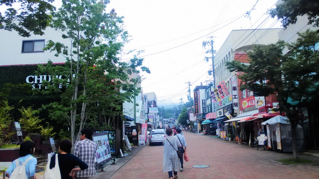 旧軽井沢銀座通りの様子