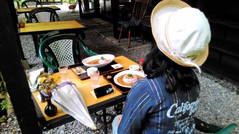 軽井沢三笠茶屋屋外テーブル