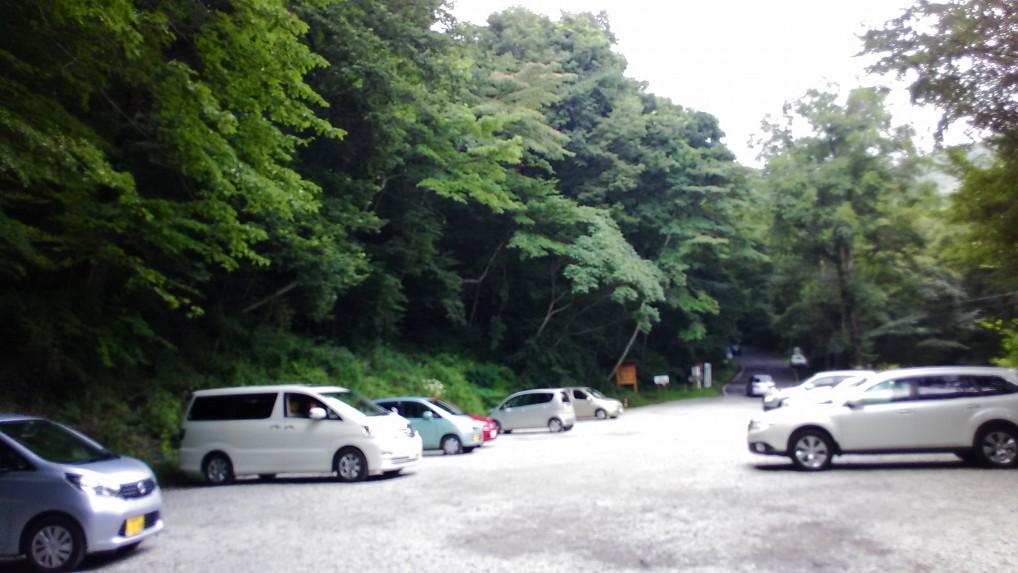 軽井沢三笠茶屋に隣接する無料駐車場・旧三笠ホテル見学用