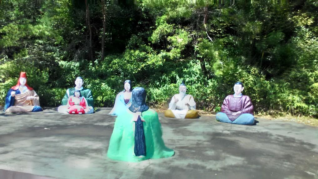 五色園大安寺「月見の宴」人形像