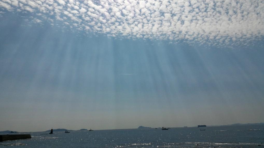 師崎港羽豆岬から伊勢湾を望む空