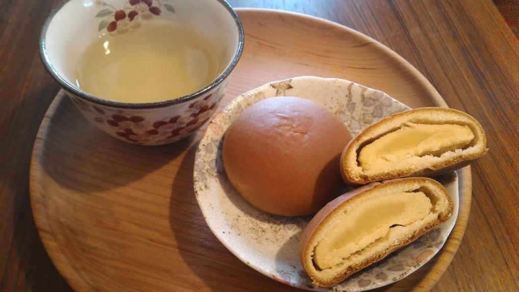 名古屋名物銘菓「なごやん」中のあんの様子