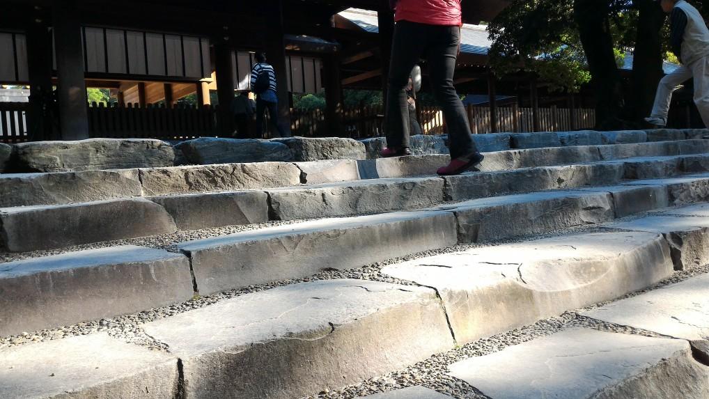 熱田神宮本殿の階段