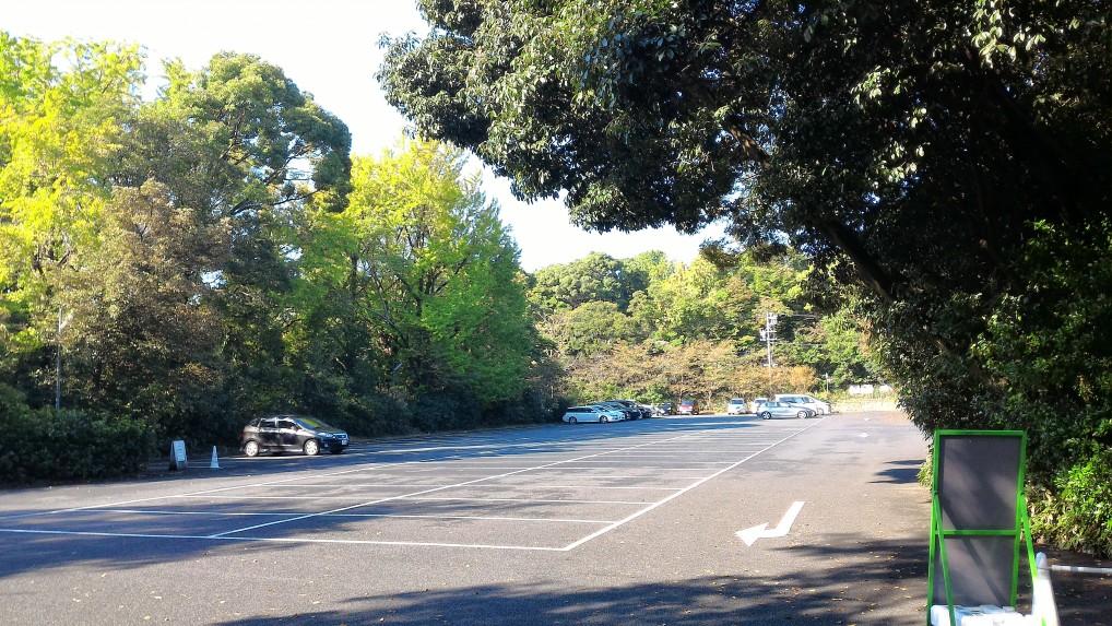 熱田神宮東門からはいる第三無料駐車場