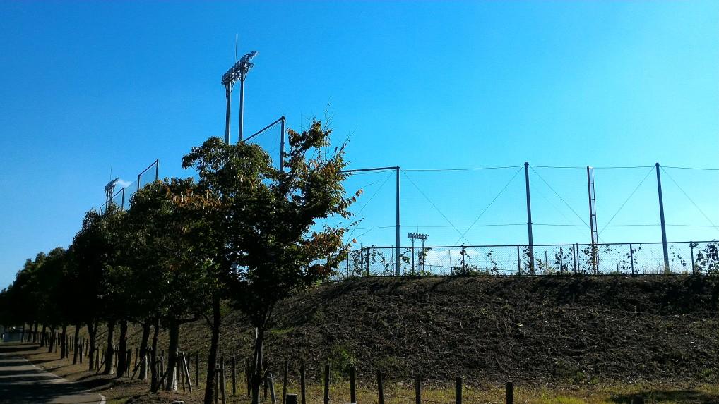 愛知県大府市二ツ池公園隣接の野球場