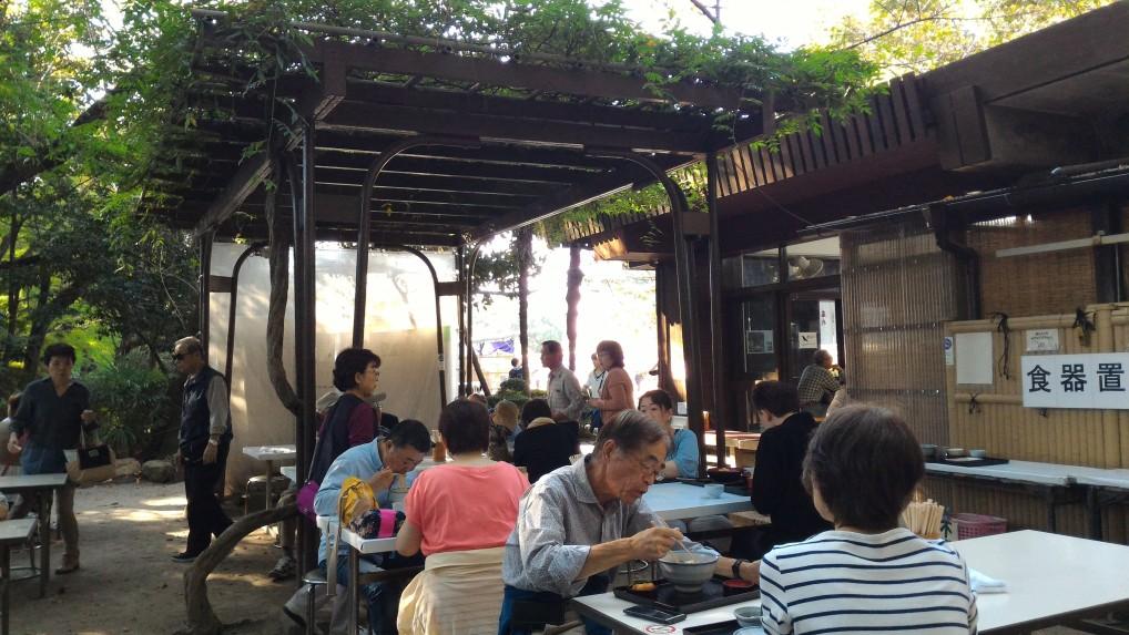 名古屋城食事処「きしめん」さんの屋外の椅子テーブル