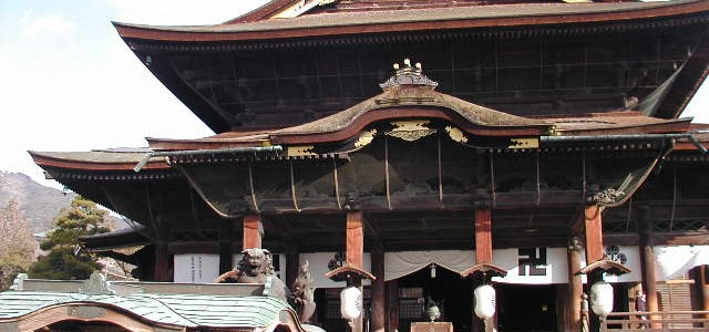 善光寺(長野県長野市)の参道と境内・お戒壇めぐりも