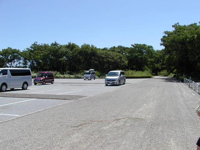 祖父江砂丘(木曽三川公園)の広い駐車場