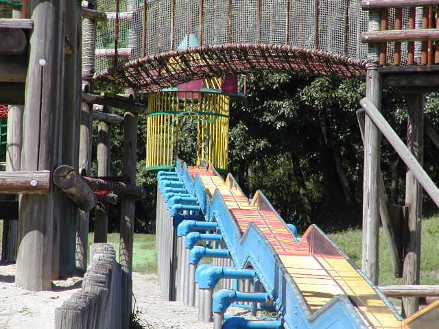 祖父江砂丘(木曽三川公園)そばの巨大な遊具