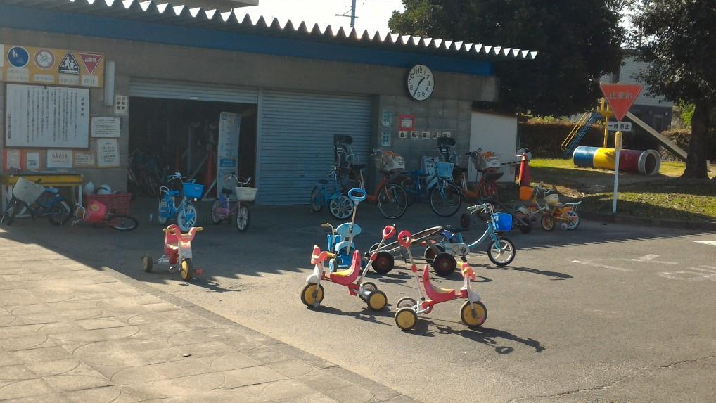 江南市交通児童遊園の色々な乗り物