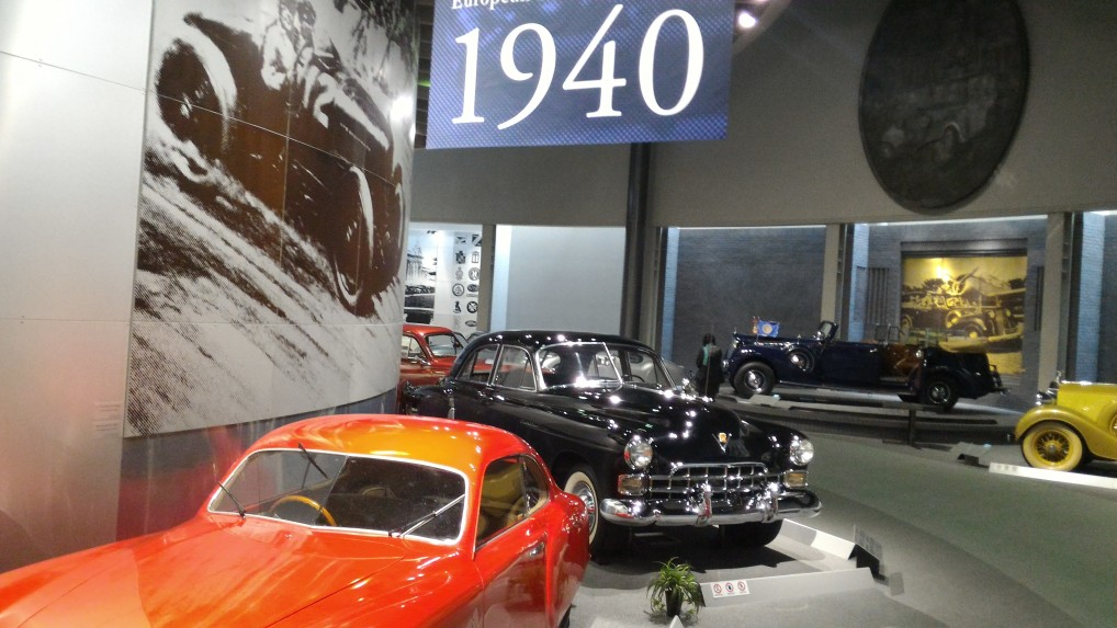 トヨタ博物館二階の欧米車1940年ごろの欧米車