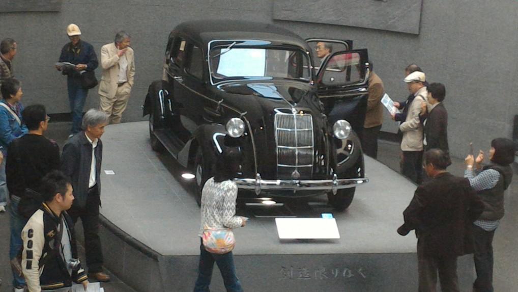 トヨタ博物館・一階の最初の展示の欧米車