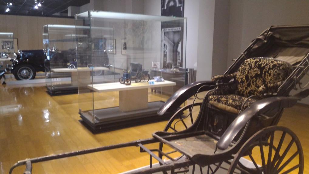 トヨタ博物館新館の明治から昭和の車の展示