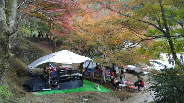 香嵐渓一の谷でのシンセサイザー演奏イザナギさん