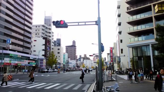 覚王山日泰寺参道に入るところの覚王山の交差付近