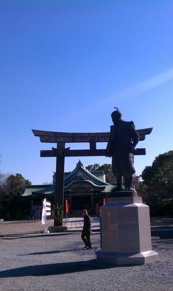 大阪市「豊國神社」秀吉の立像と鳥居本殿