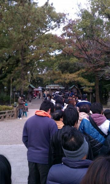 名古屋市中村区の豊国神社元旦の初詣の行列