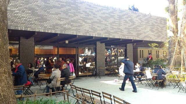 静岡県熱海市来宮神社境内内のオープンカフェ
