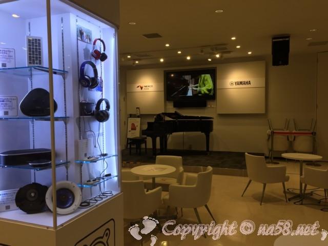 ピアノが弾けて音を学べるスペース(浜松SA)