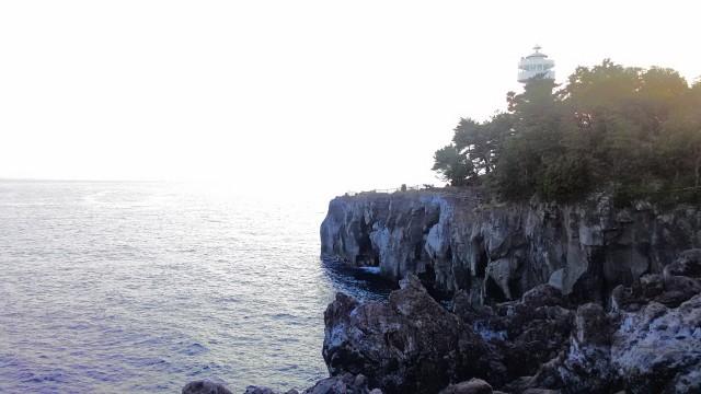 伊東市城ヶ崎海岸の展望台遠景