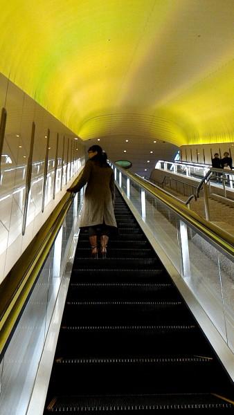 MOA美術館(熱海市)入り口から会場までの長い長いエスカレーター