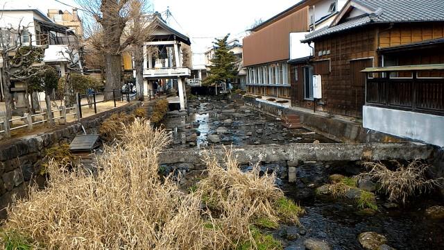 三島市源兵衛川の水辺の散歩道、時の鐘