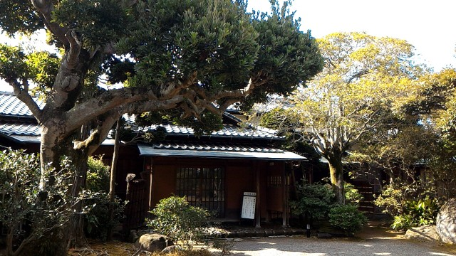 隆泉苑(静岡県三島市)の回遊式庭園の門