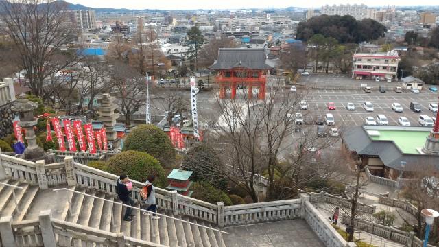 犬山成田山(愛知県犬山市)の無料駐車場を見下ろす
