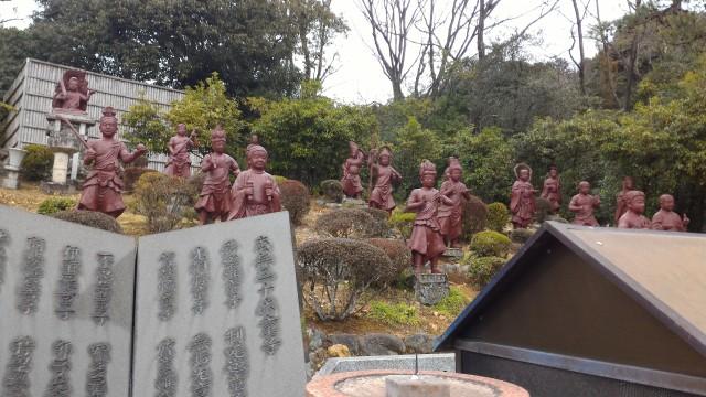 犬山成田山(愛知県犬山市)の境内にある三十六童子像