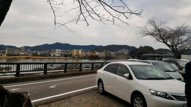 愛知県犬山市「国宝犬山城」の木曽川沿いの無料駐車場