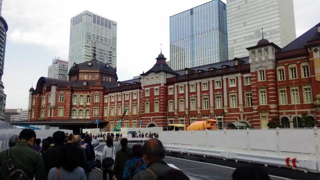東京駅駅前広場工事中の様子