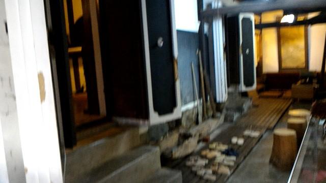 岐阜県郡上市郡上八幡のおもだか家民芸館のお蔵の入り口