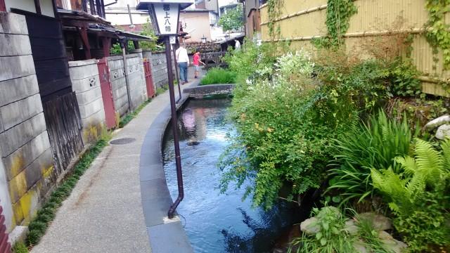 岐阜県郡上市いがわこみちと町の風景
