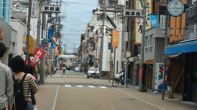 春日市「勝川カフェ」は駅商店街、その様子