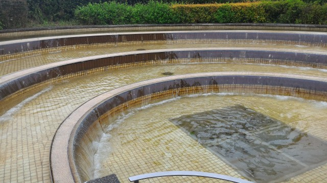 荒子川公園(名古屋市港区)のサンクガーデン洋風庭園