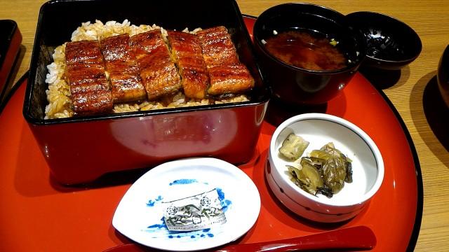 新東名岡崎SAの和食お肉処「かごの屋」うな重