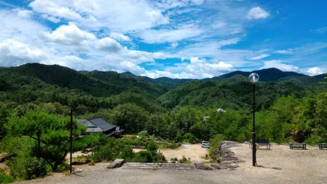 集仙院(大滝観音)岐阜県恵那市の12メートルの観音像から本殿を眺めた風景