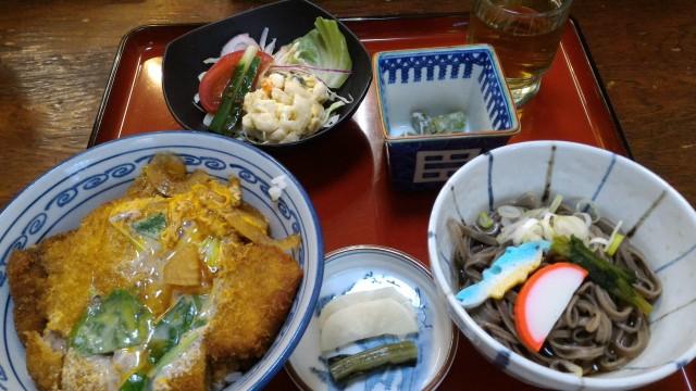 日本大正村(岐阜県恵那市)隣接の食事処「大簗」さんのかつ丼セット