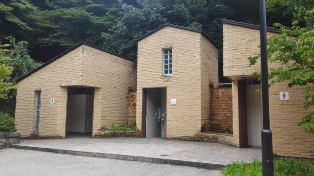 岩屋堂公園(愛知瀬戸市)水(川)遊び天然プールの洋式トイレ