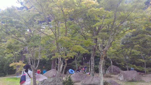 岩屋堂公園(愛知瀬戸市)水(川)遊び天然プールのテントはれる場所