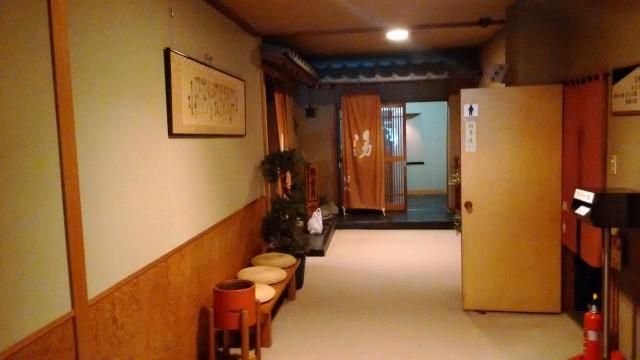 熱海温泉旅館立花の一階の大浴場へ向かう廊下