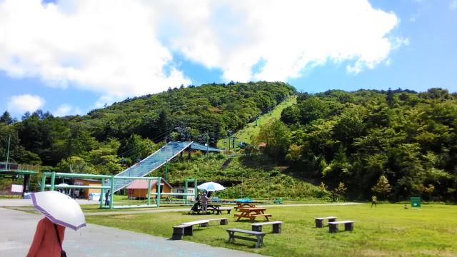 茶臼山高原の風景ベンチなど