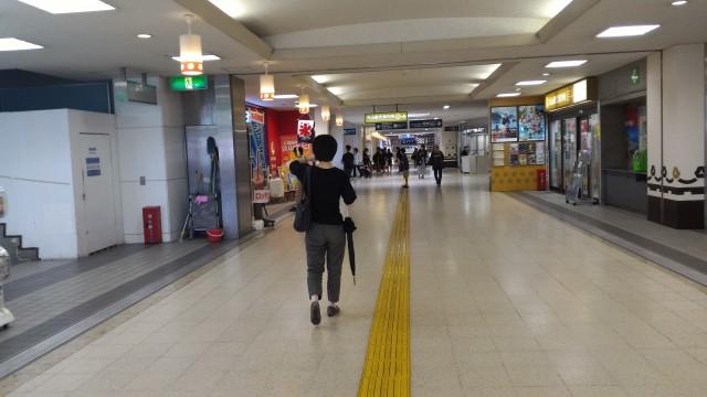 名鉄犬山駅の駅構内通路