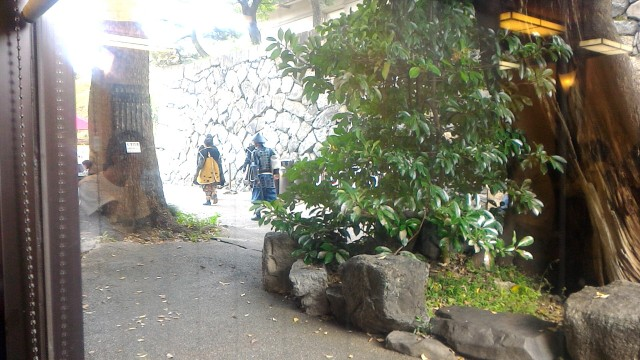 名古屋市中区の名古屋城内の食事処「名古屋城」そばの控え所から戦国武将隊