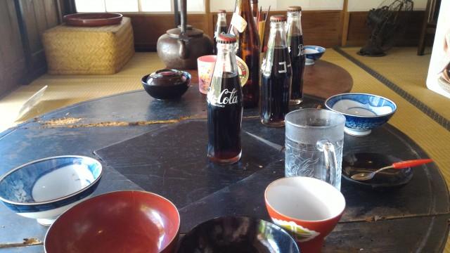 日本昭和村(岐阜県美濃加茂市)の昭和の民家食卓